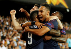 Lacazette flirtar med Barcelona om flytt