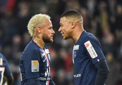 Uppgifter: PSG jobbar för att förlänga med Neymar