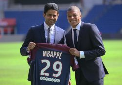 Bekräftar: Kylian Mbappé stannar i Paris Saint-Germain
