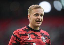 Uppgifter: Manchester United blockar flytt för van de Beek